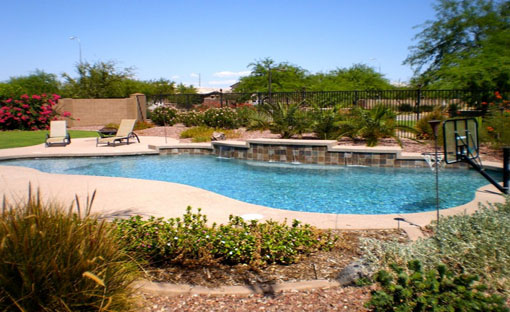 Luxury Swimming Pool - Splash Effects Arizona Pool Company